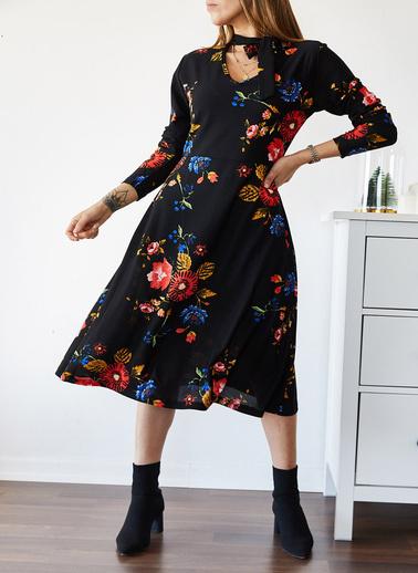 XHAN Boynu Bağlamalı Çiçek Desenli Elbise 9Kxk6-43301-02 Siyah